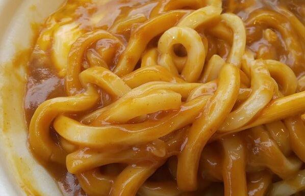 ファミマのチーズカレーうどんの麺1