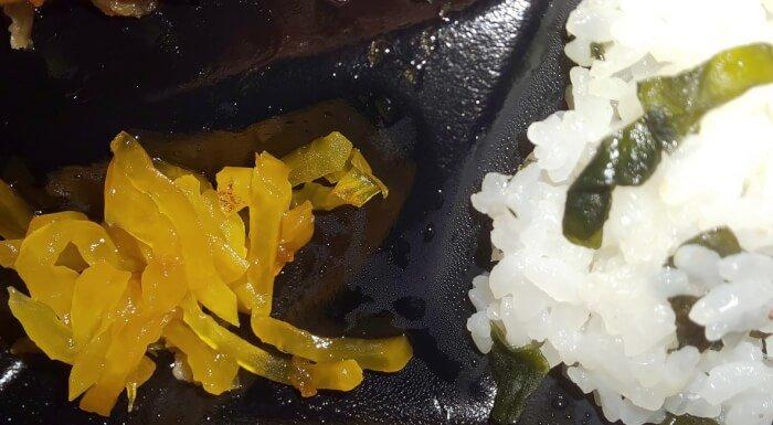 ファミマおろしタツタ弁当の漬物