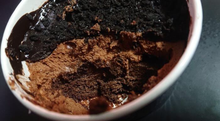 ファミマのデビルズチョコケーキ3