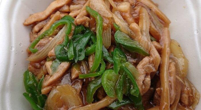 セブンの香ばし炒め青椒肉絲の具材1