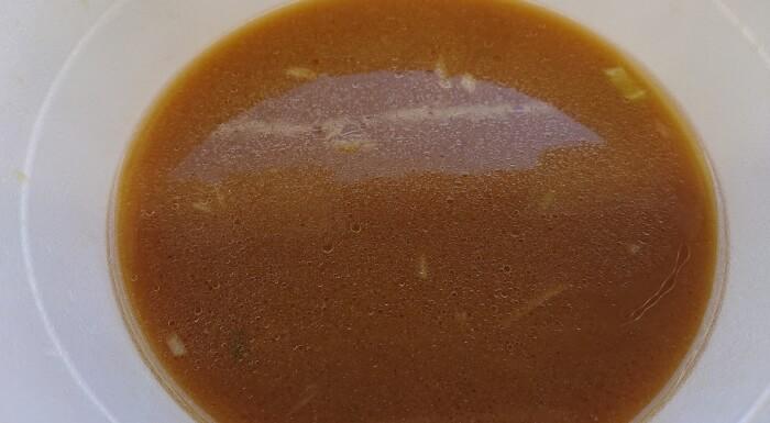 ローソンの麺屋雪風 札幌濃厚味噌らーめんのスープ