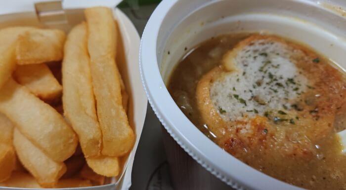 セブンのこんがりチーズのオニオンスープとポテト